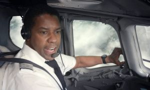 Denzel Washington interpreta al piloto responsable del accidente