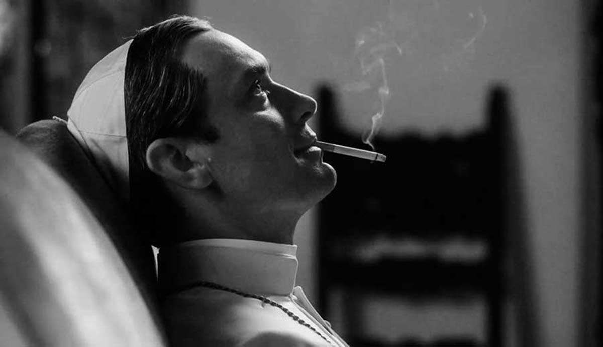 The Young Pope es tan desconcertante como la vida misma